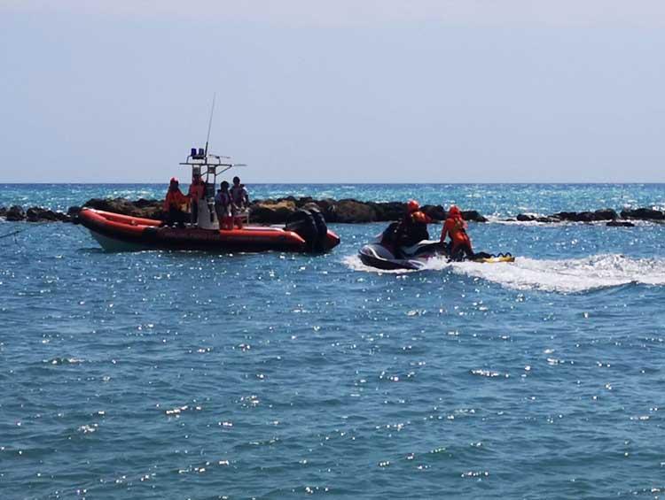 Vigili del fuoco: giornata di addestramento nautico e soccorso acquatico a Torre Melissa